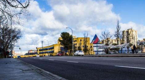 Vista del CIE de Madrid-Aluche desde la Avenida de los Poblados (Foto: Mayhem Revista)